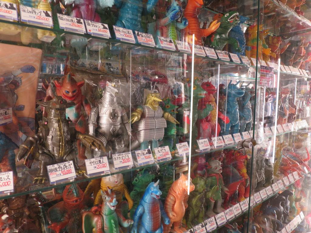 Plastikfiguren im Mandarake