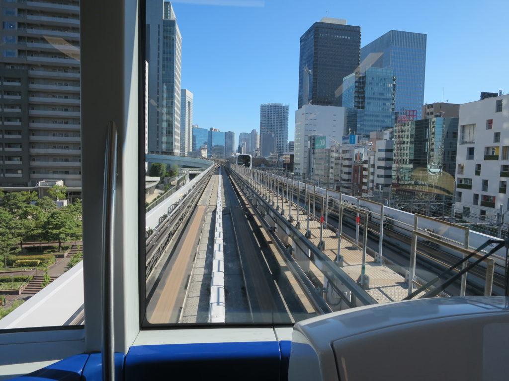 Fahrt mit der Yurikamone Line nach Odaiba