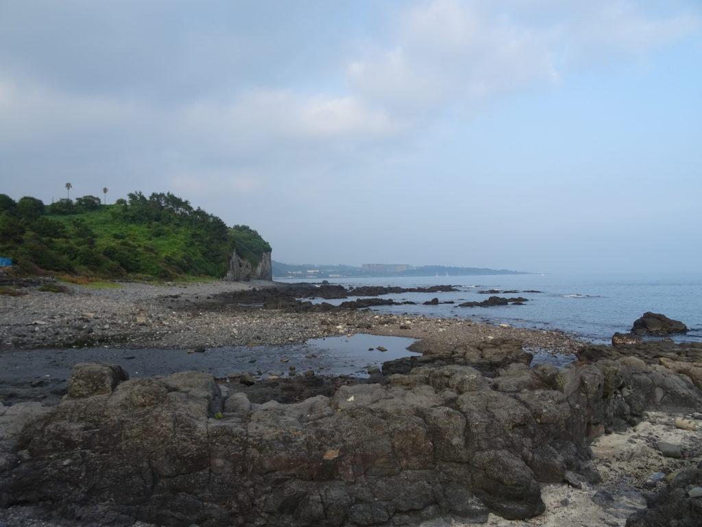 Strand im Suedwesten von Jeju