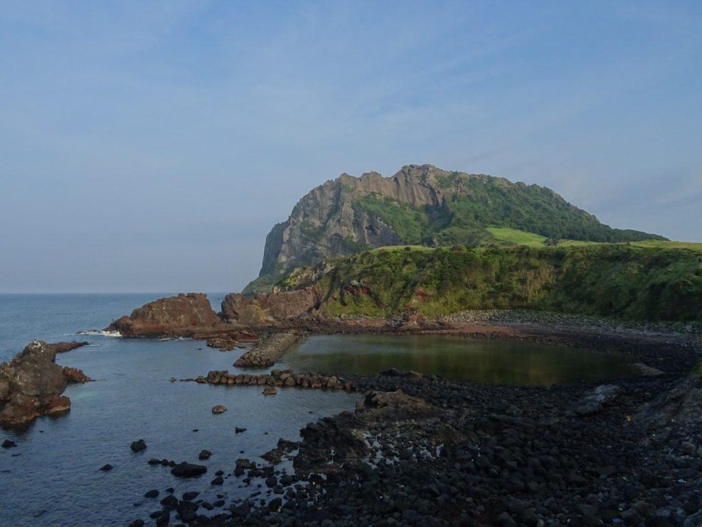 Blick auf den Seongsan auf Jeju
